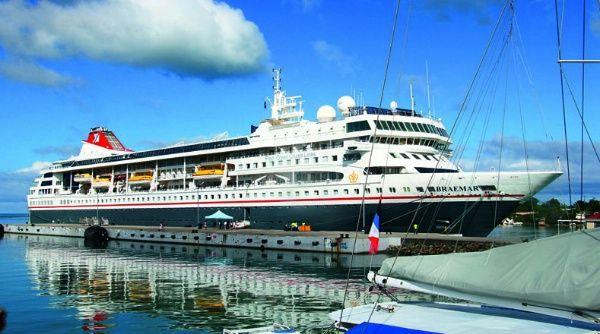 Cuba permite atracar el crucero británico con pasajeros infectados de COVID 19