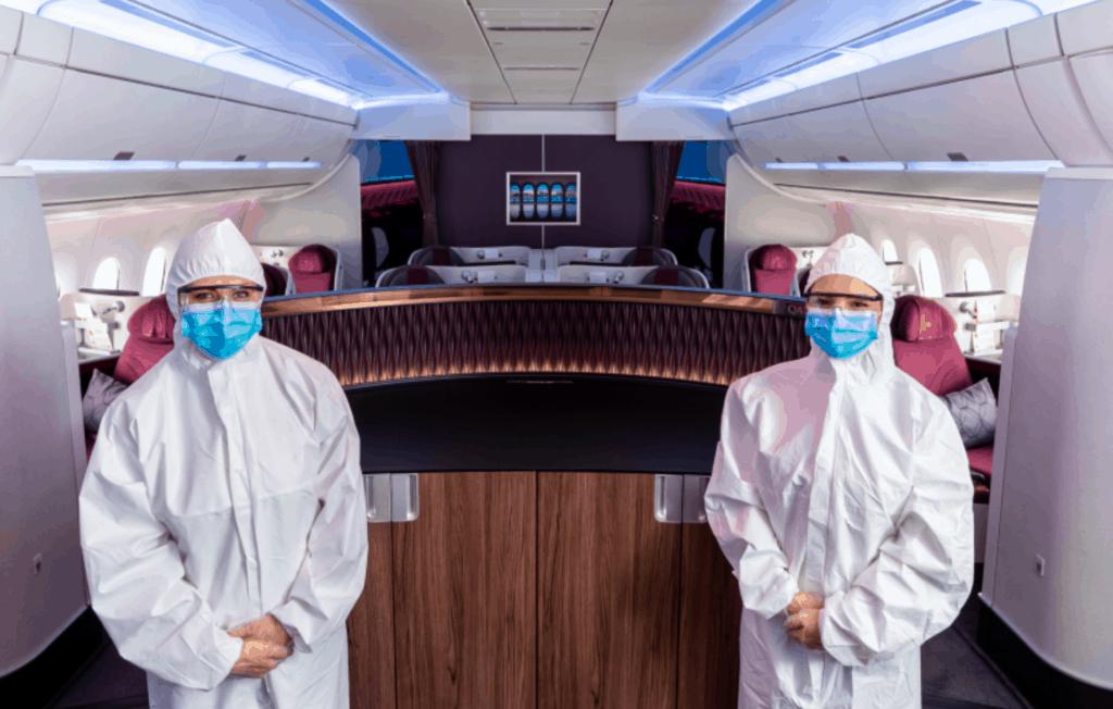 Qatar Airways anuncia que su tripulación de cabina usará equipo de protección de cuerpo completo desechable durante los vuelos 3