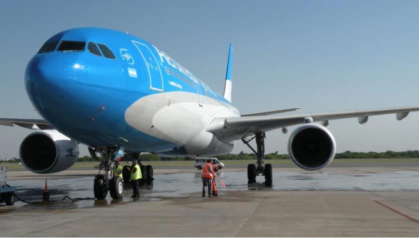 Aerolineas Argentinas anuncia sanciones