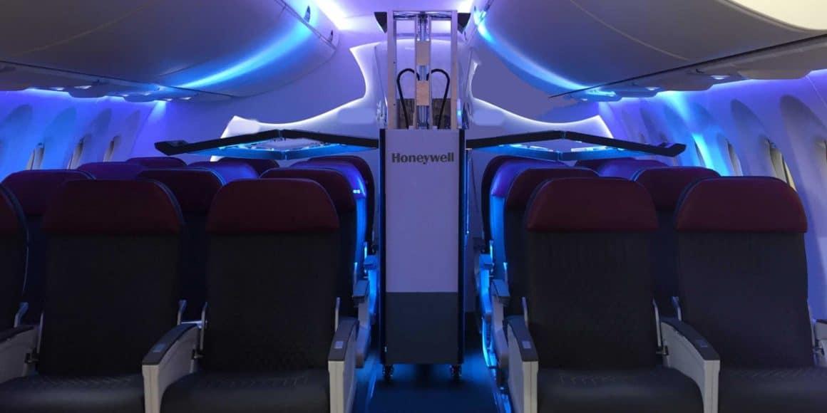 Qatar airways comienza a utilizar tecnología UV para higienizar las cabinas 4