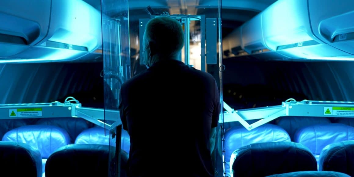 Qatar airways comienza a utilizar tecnología UV para higienizar las cabinas 1