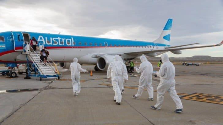 """Argentina: Retomarán sus actividades los vuelos de cabotaje, los micros de larga distancia y los trenes de cargas aunque solo para pasajeros """"esenciales"""" 7"""