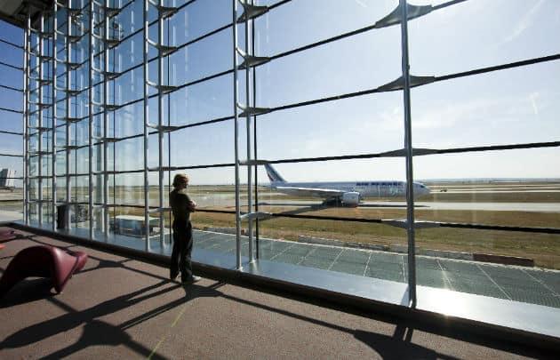 Francia: Los principales aeropuertos de París instalarán áreas de pruebas de COVID-19 3