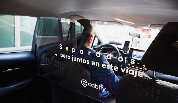 Cabify lanza La promo transparente, una campaña en la que usuarios recibirán 15€ de descuento por ayudar a que todos los viajes de la compañía sean con mampara