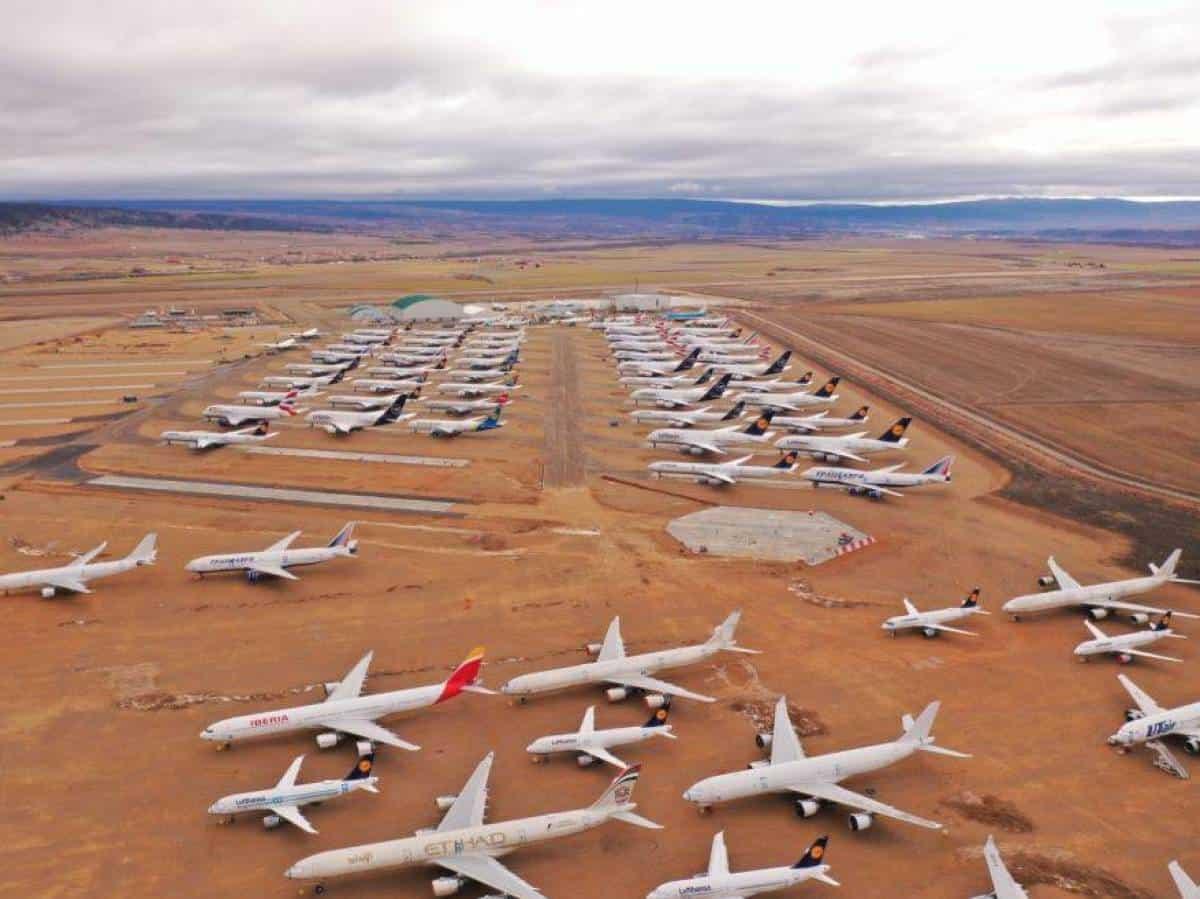 saturacion-de-aviones-en-la-espana-vaciada-el-aeropuerto-de-teruel-se-queda-pequeno