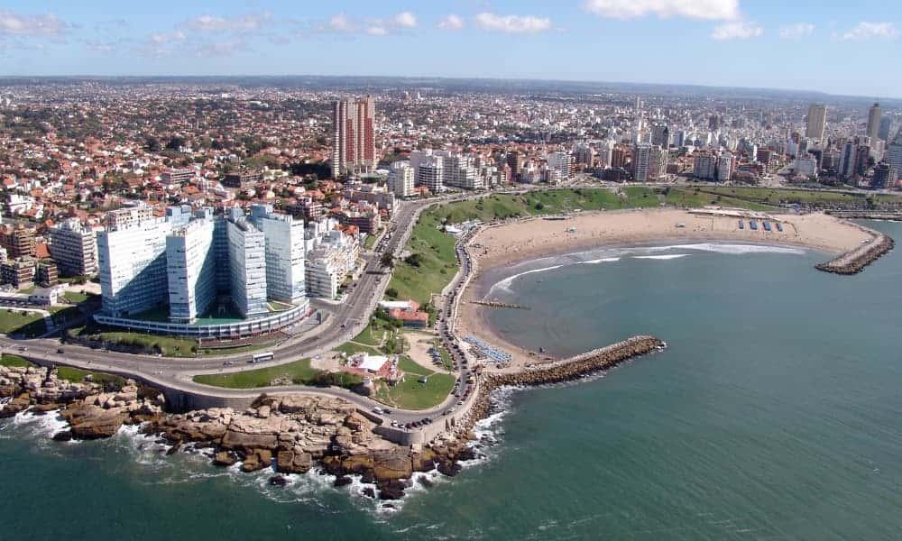Argentina registró el fin de semana más exitoso de los últimos 10 años con más de 4.200.000 turistas recorriendo el país 1